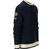 Drifter Sweater til herre fra Amundsen Sports i fargen blue surf. Produktbildet viser genseren sett skrått forfra