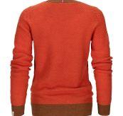 Drifter Sweater til dame fra Amundsen Sports i fargen orange sunset. Produktbildet viser genseren sett bakfra