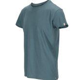 Summer Wool Tee Garment Dyed tskjorte fra Amundsen Sports til herre i fargen faded blu. Produktbildet viser tskjorten sett skrått forfra med logodetalj på ermet