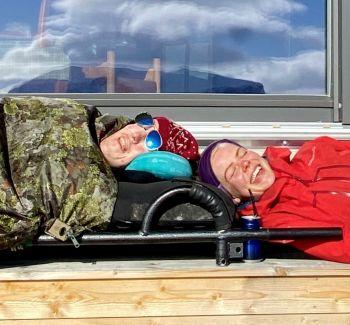 Assistentene lever i isolasjon med Torstein på fjellet
