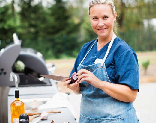 På Vestre Nes Omsorgsbolig, som drives av Stendi, er det en stabil gruppe av ansatte som jobber med de eldre.