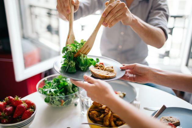Nydelig mat blir servert på Kantarellen Bo- og rehabiliteringssenter drevet av Stendi.