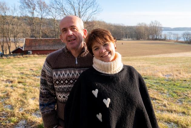 Nina og Ola bor på gård på østlandet og er fosterforeldre