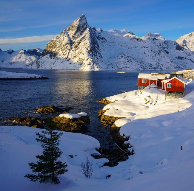 hytte ved sjø