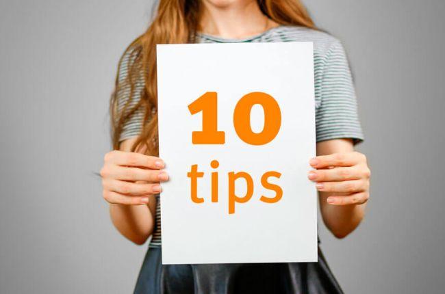 skilt med 10 tips