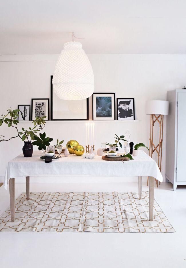 spisebord med lampe over