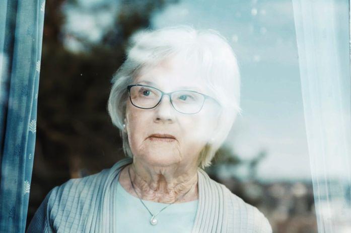 Kvinne i vinduet