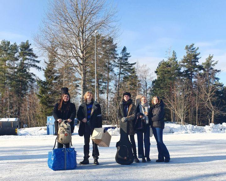 Bandet (på bildet) består av Eskil, Niord, Elias, Tale og Ada fra Vg1 musikk