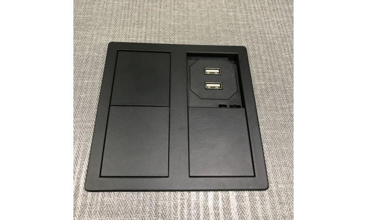 VersaHit Dual med 1 stikk + 2 USB
