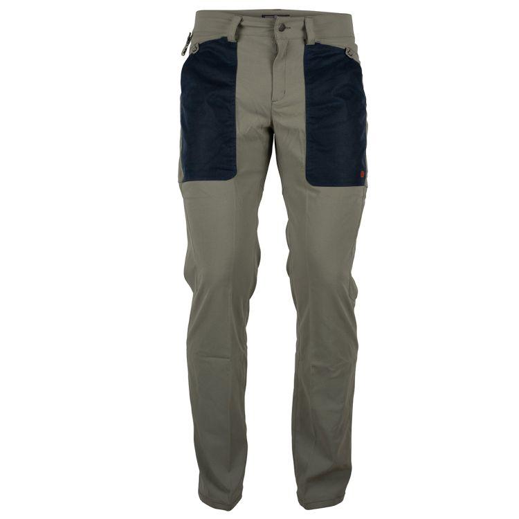 Field slacks fra amundsen sports til herre i fargen faded blue surf. produktbildet viser buksen sett forfra