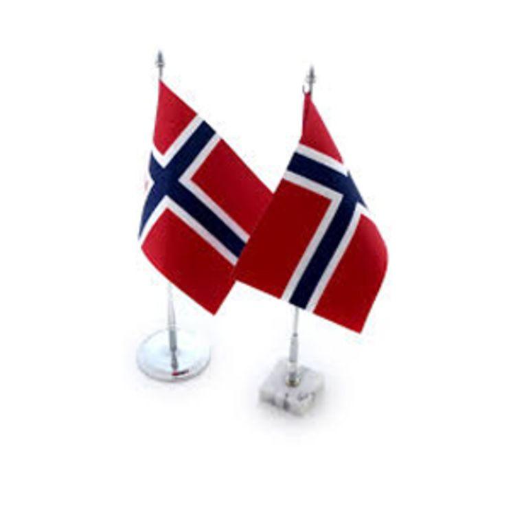 norske bordflagg på bordstenger