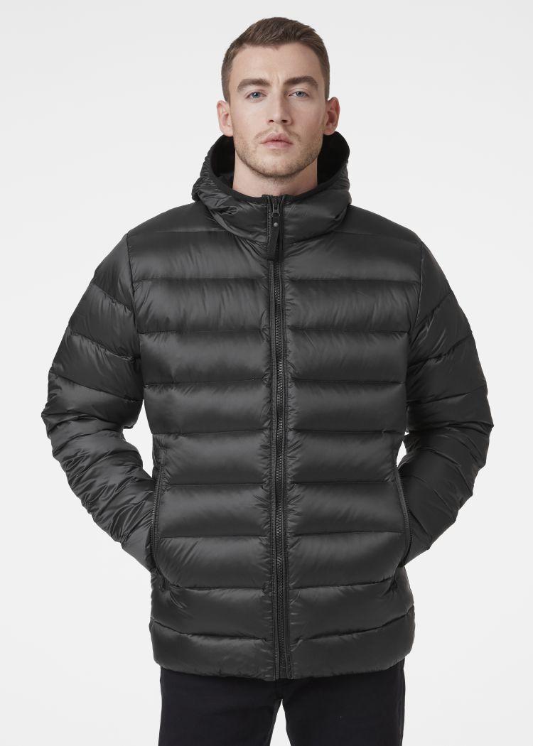 Svalbard Down Jacket fra Helly Hansen i fargen black. Produkt på kropp sett forfra