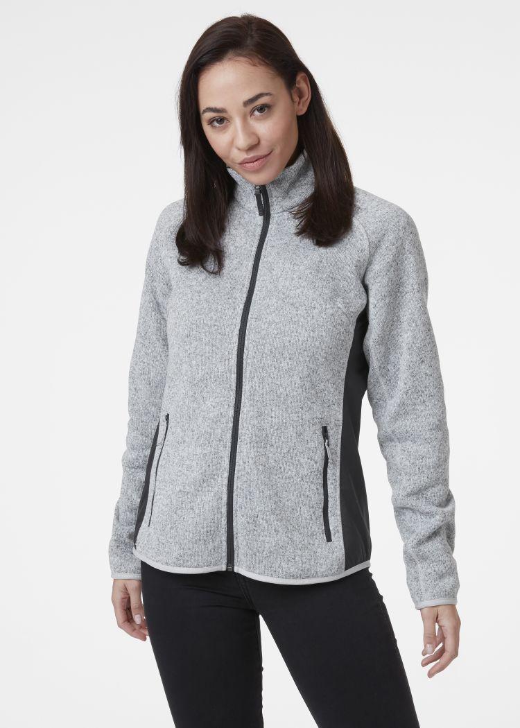 Varde Fleece jakke fra Helly Hansen. Grå jakke til dame. Bildet er av jakken på modell sett forfra