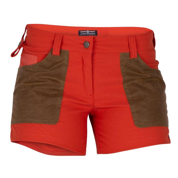 5 incher field shorts fra amundsen sports til dame i fargen Red Clay/Tan. produktbildet viser shortsen sett forfra