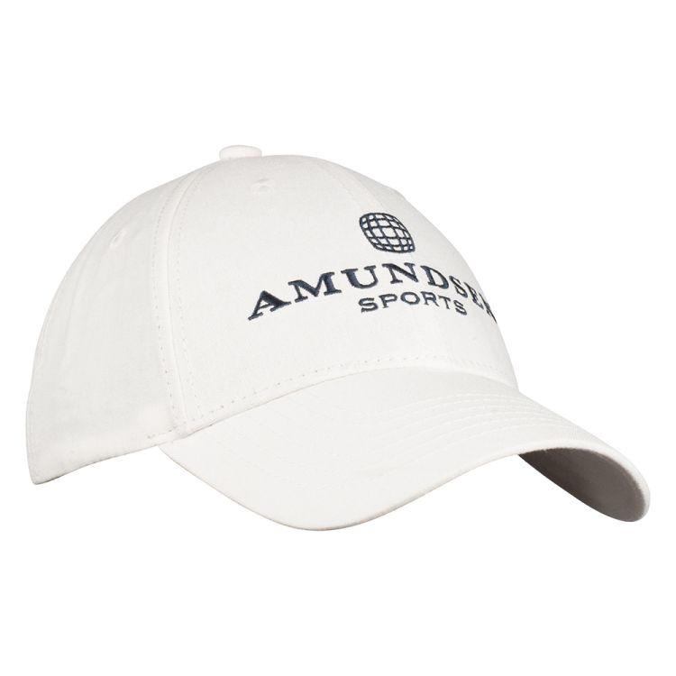 Linen Cap fra Amundsen Sports i fargen offwhite. Bildet viser capsen sett forfra med logo