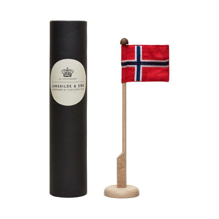 Bordstang i eik med norsk flagg fra Langkilde & søn