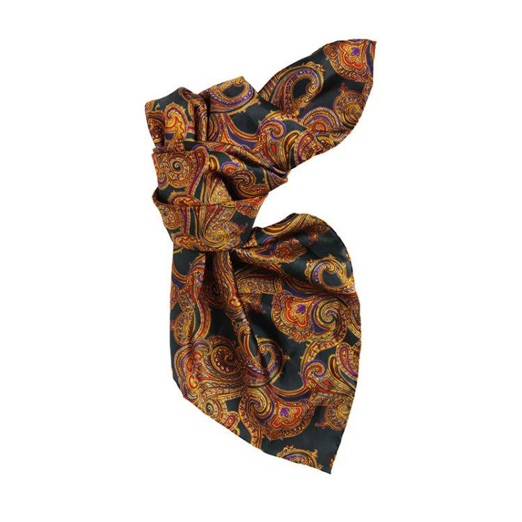 Paisley scarf fra Laksen i silke. Produktbilde sett forfra