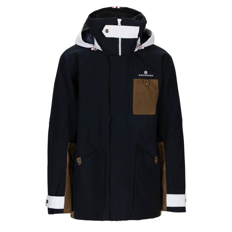 Deck Jacket fra Amundsen Sports til herre i fargen faded navy. Produktbildet viser jakken sett forfra