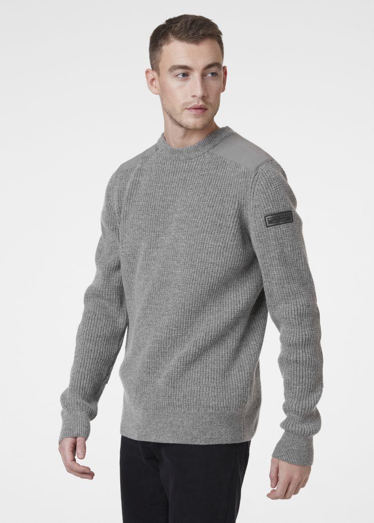 Arctic Shore Sweater fra Helly Hansen i fargen grey melange. Produkt på modell sett forfra