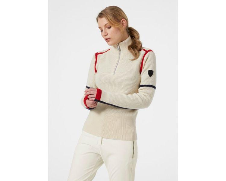 Edge Knitted Sweater fra Helly Hansen til dame. Genseren er avbildet på damemodell i studio