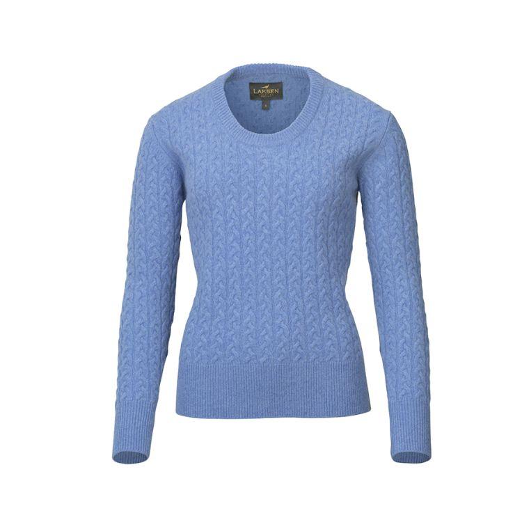 Burleigh cable knit (ullgenser til dame) fra Laksen i fargen Sky. Produktbilde sett forfra