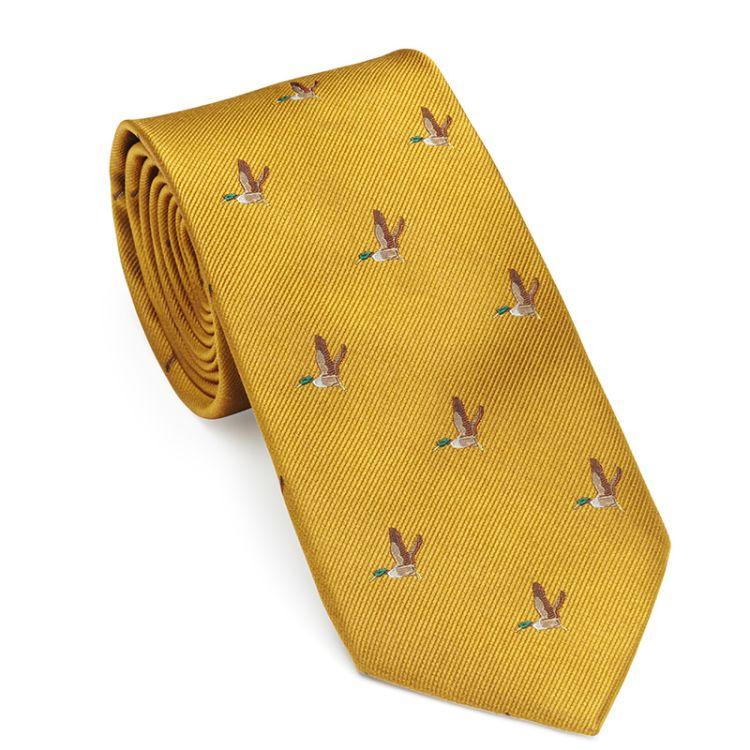 Flying duck tie fra Laksen i fargen gorse. Produktbilde sett forfra