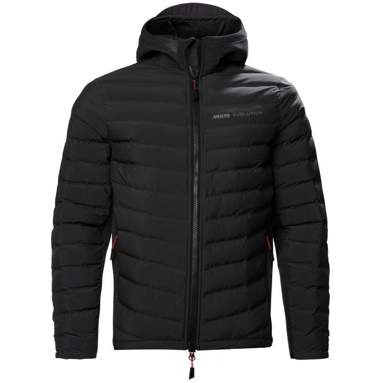 Evo Loft Hooded Jacket fra Musto i fargen true black til herre. Produktbildet viser jakken sett forfra