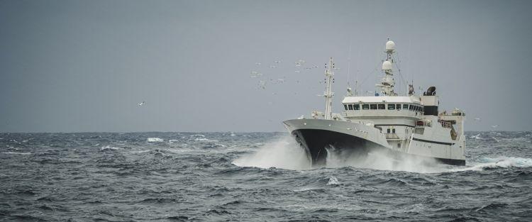 Utsikt over bauen på  stor båt