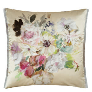 Designers Guild Palissy Pillow 176095 Camellia