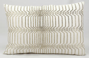 Kathy Ireland Pillows At189 Ivory