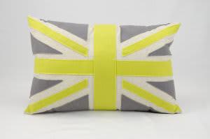 Nourison Mina Victory Pillows Felt L1016 Green