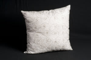 Nourison Pillows Luminescence Z6098 Ivory