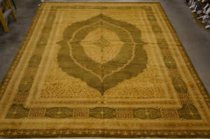 Org 16/18 Antiqued V-1625 Olive Area Rug