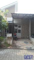 Rumah Metland Transyogi Dikontrak Dekat Mall Dan Sekolahan -> Tampak Depan,  Ada Carport