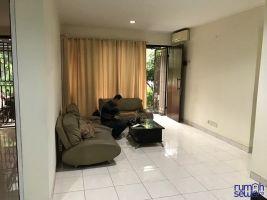 BSD City Foresta - Cluster Albera - Tangerang Selatan -> pintu masuk utama dan ruang tamu