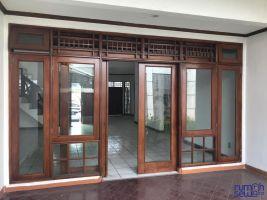 Rumah Disewakan 3+1 KT 2+1 KM Siaga Jakarta selatan -> Teras Belakang