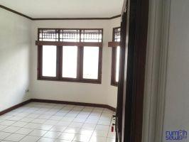 Rumah Disewakan 3+1 KT 2+1 KM Siaga Jakarta selatan -> Kamar Tidur 1 Lantai 1
