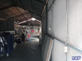Dikontrakan Rumah + Semi Pabrik Utk Keperluan Industri&Pribadi ->