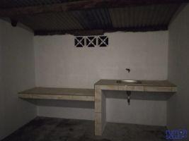 Disewakan Rumah 4 Kamar Tahunan Area Sleman, Yogyakarta -> Dapur