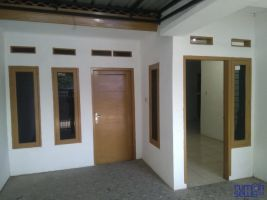 Di Sewakan Rumah Ada Tempat Usaha Butik Jl.panyileukan Bandung  ->