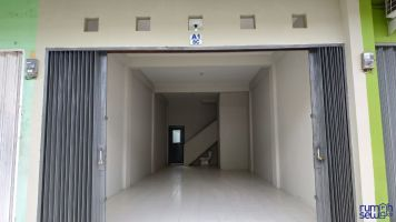 Hub:08129499XXX - Sewa Ruko 2 Lantai Graha Cibinong- strategis, baru renovasi, langsung pakai -> Lantai 1
