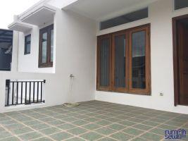 Rumah Disewakan di Kawasan Citra GRAND Cibubur Bebas Banjir ->