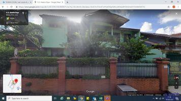 MURAH !! Rumah Sewa di Jalan Utama 4 Kamar Tidur, 2 Lantai -> Tampak Depan