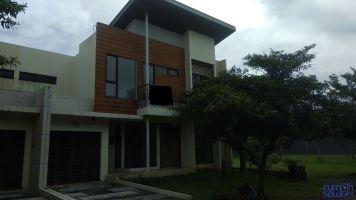 Disewakan Rumah di Cluster Avani Dhesna di BSD City ->