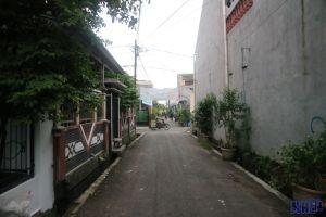 Disewakan rumah tidak berperabot di cakung Jakarta Timur -> Jalan Depan Rumah