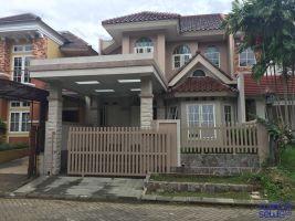 Rumah 2 Lantai Di Bogor Lakeside -> Tampak Depan
