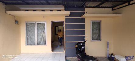 Rumah disewakan / tahun di Pinggir x. Malang, akses dekat tol dan stasiun -> Tampak Depan