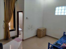 Rumah disewakan semi furnish di daerah kahfi II Srengseng Sawah Jaksel -> Kamar Tidur utama di lt.1