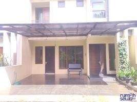 Rumah disewakan semi furnish di daerah kahfi II Srengseng Sawah Jaksel -> Rumah tampak depan