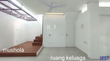 Disewa Rumah Lokasi Strategis Ujung Blok Beranda Mas Komplek Vida -> Lt 1